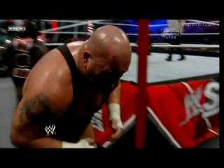 WWE Survivor Series 20.11.2011 - Mark Henry vs. Big Show